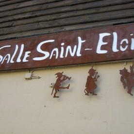 Salle Saint-Eloi dans le village de Becco