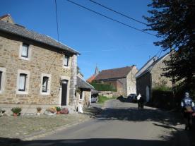 Entrée dans le village