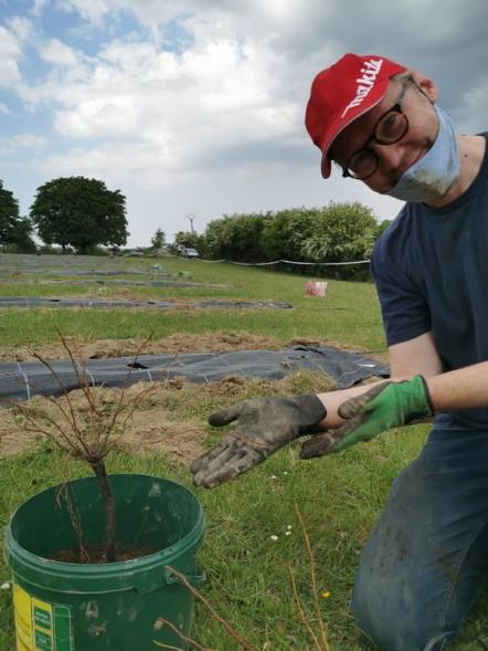 2020-05-08et09 - Plantation vignes Baudrifosse - © Isabelle Malo (11)